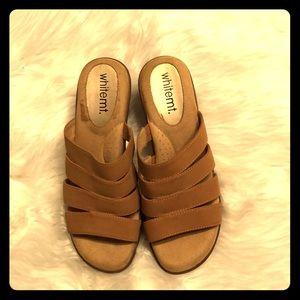 Ladies sandal medium width